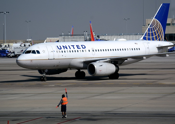 DENVER, CO - August 25, 2016:  A United Airlines Airbus A319 passenger plane taxis toward a gate at Denver International Airport in Denver, Colorado. (Photo by Robert Alexander/Getty Images)
