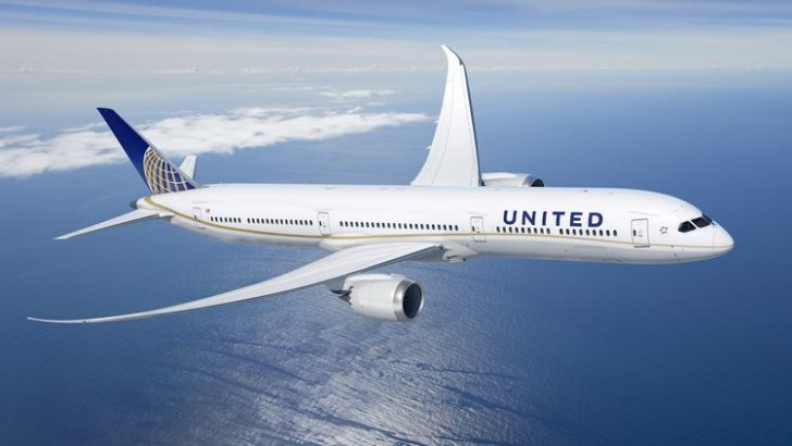 united-airlines-dreamliner-10_750xx3000-1688-0-156